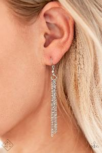 7 Days a SLEEK * White * Paparazzi Earrings * Fiercely 5th Avenue FF
