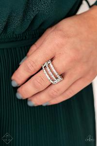 Seeking Shimmer * White * Paparazzi Ring * Fiercely 5th Avenue FF