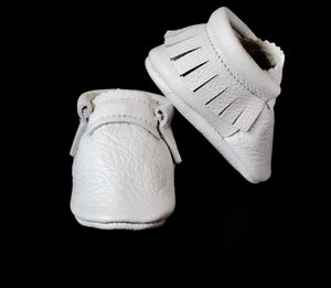 White moccs - Classic