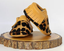 Load image into Gallery viewer, Leopard Moccs - Hair on Hide