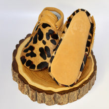 Load image into Gallery viewer, Leopard Moccs