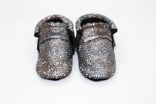 Load image into Gallery viewer, Stingray Silver moccs -Limited Edition