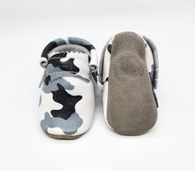 Load image into Gallery viewer, Desert Gray Camo - Moccs