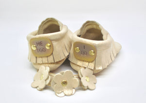 Personalize your moccasins. What would you like your message to say?