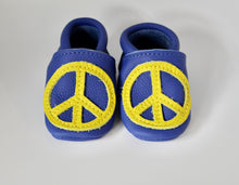 Load image into Gallery viewer, Peace Over Sky - Moccs