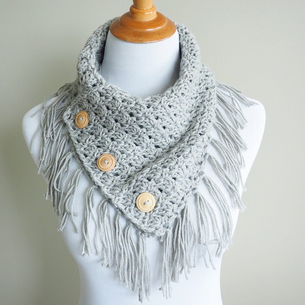 Easy Breezy Buttoned Cowl Crochet Kit Makerdrop