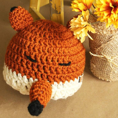 Felicity the Fox Hat Crochet Pattern - makerdrop 847d2b54031