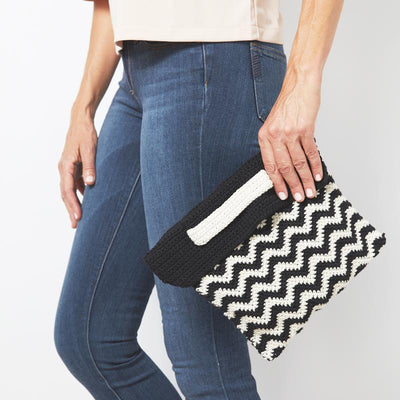 Chevron Wristlet Clutch Bag Crochet Pattern