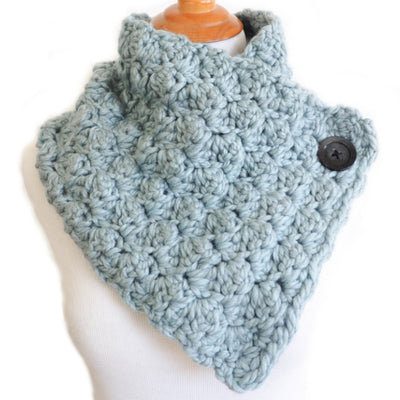 Big Button Puffy Cowl Scarf Pattern