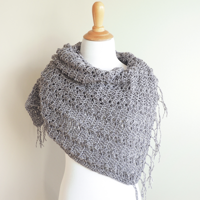 Simple Shells Light Wrap Crochet Kit