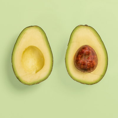 8 Amazing Benefits of Avocado Oil for the Skin and Hair