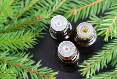 12 Essential Oils to Help You Enjoy a Happy Holiday