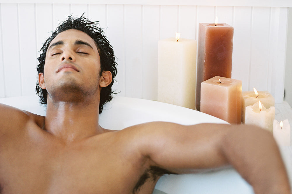 Man relaxing in the bath