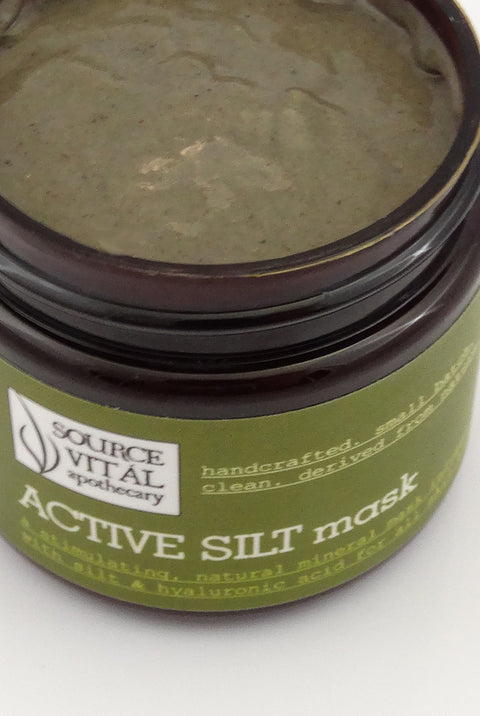 A Clean, Natural Facial Mask for All Skin Types and Infused with Silt and Prickly Pear