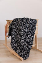 Load image into Gallery viewer, Muslin Quilt | Black Vines
