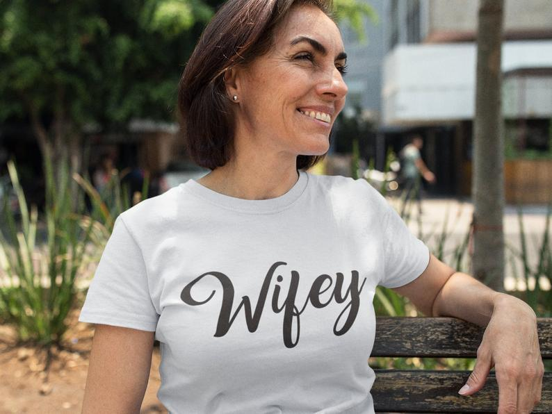 Best Wife Women's T-Shirt - Hype Fashion