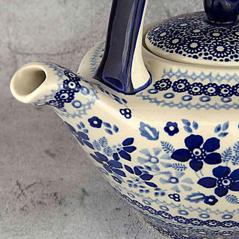 BLUE & WHITE SB01 HAND-DECORATED TEAPOT 0.7 L