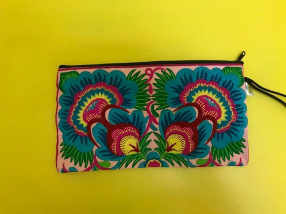 Hmong embroidered Clutch bag Bag Kwaitokoeksister