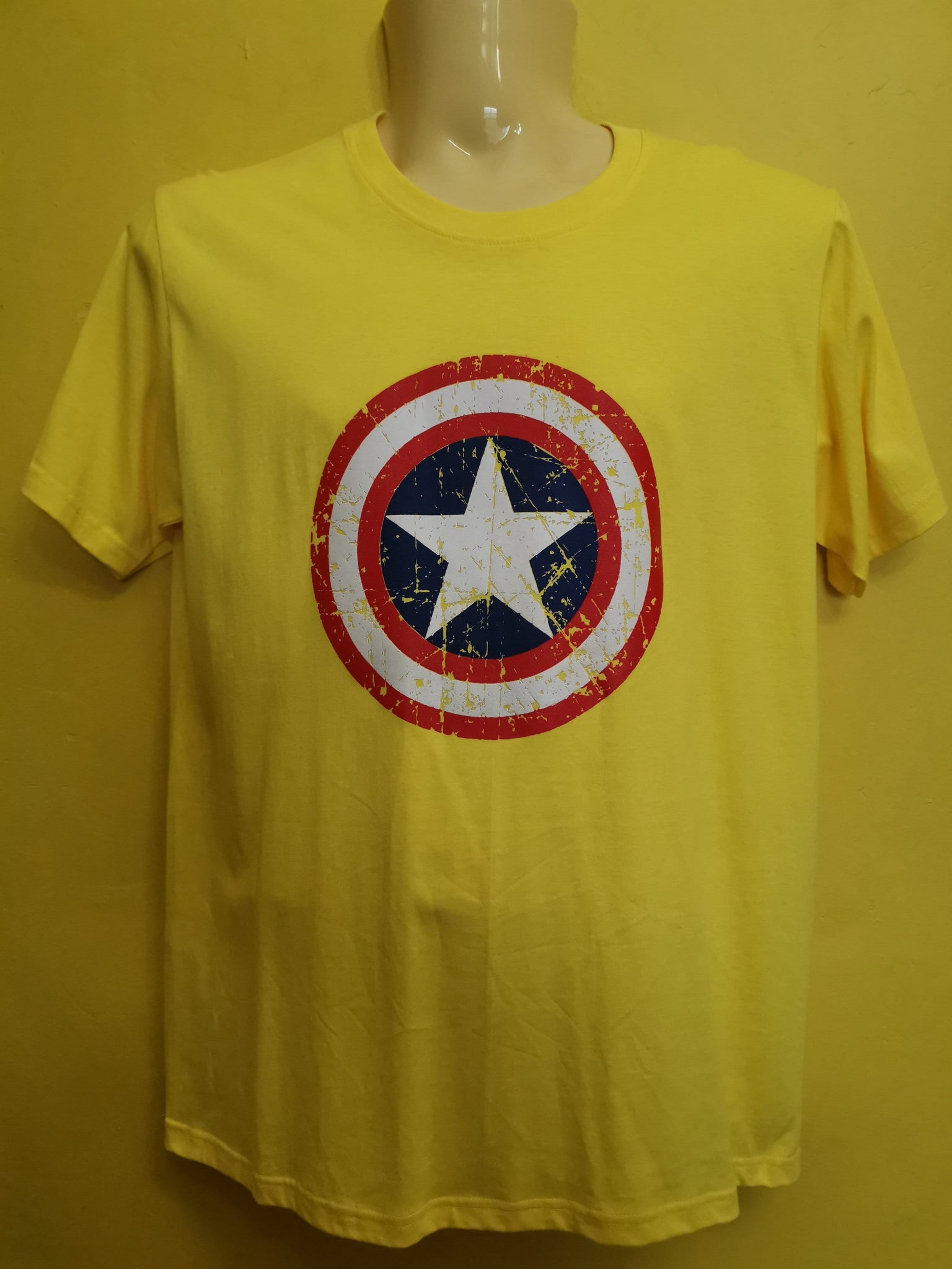 Captain America T-shirt Yellow