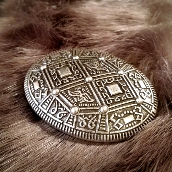 oval brooch silver viking cloak coat dress sca larp