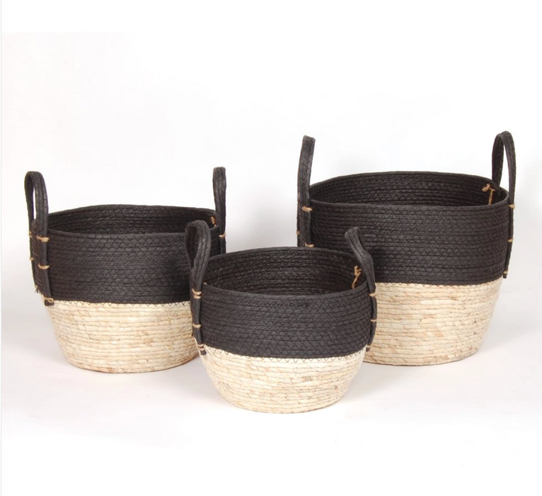 BLACK/NATURAL STRAW BASKET