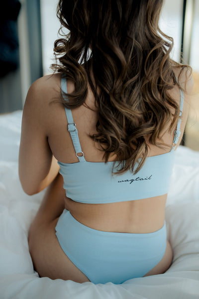 700 - Baby blue bottoms