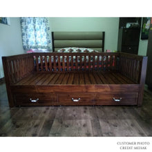 Load image into Gallery viewer, CustHum-Ashoka-daybed-customerphoto
