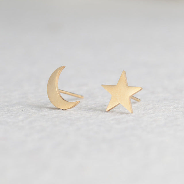 SALE Women's Fun Minimalist Gold Stud Earrings Stainless Steel Star Earrings - FREE Shipping - Fashion-Beach.com