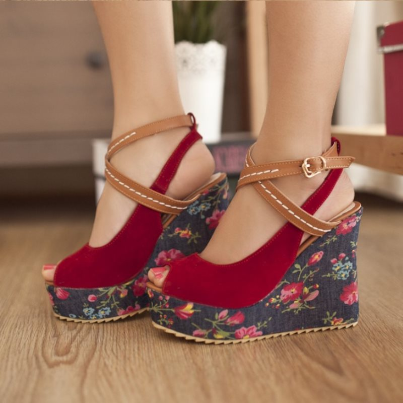 Women's Sexy & Fun Boho Wedge Flower Sandals - Fashion-Beach.com