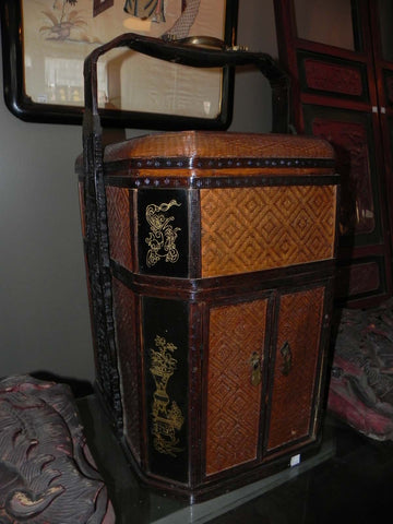Decorative Antique Lacquered Wicker Chinese Food Basket