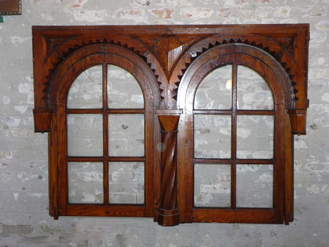 Arched Zipper Cut Oak Transom