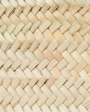 Load image into Gallery viewer, Natural material woven into a Market basket bag. French Style  | 'JENTL