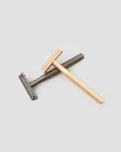 Load image into Gallery viewer, Single Blade Safety Razor in gold and black. Side view. Eco friendly shaving alternative | 'JENTL