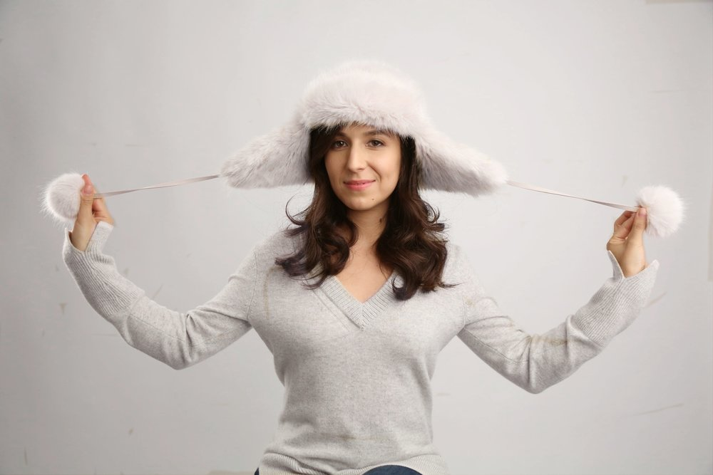 winter hat hairstyles: quick curls