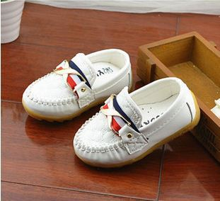 Fashion Sneaker Shoes for Spring/Autumn Season - Girls Moccasions