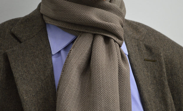 Bedford Scarf Brown/White