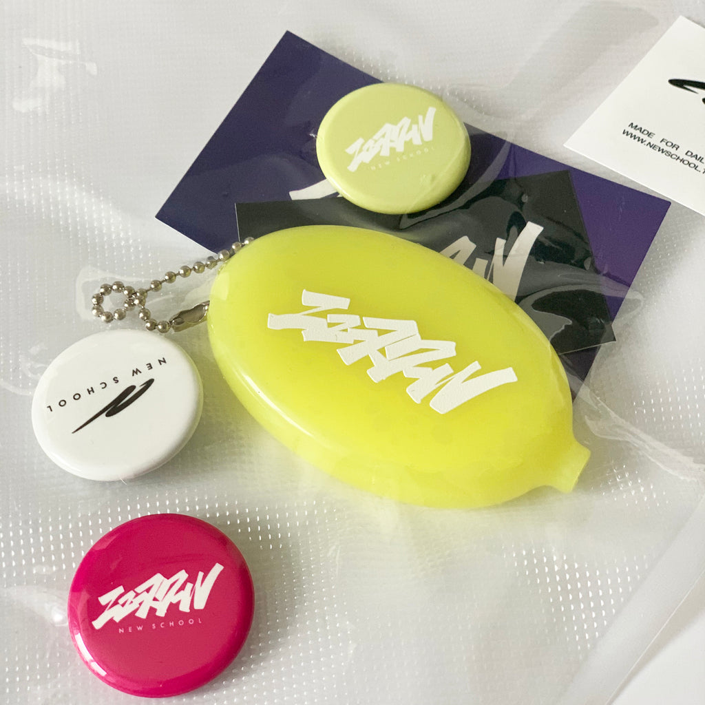 """KATAKANA TAGGING"" COIN CASE & BATCH -コインケース&バッチ-"