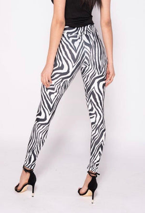 Can't Be Tamed Leggings