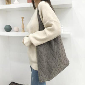 THE SKANDi Heartbeat Knit Shopper