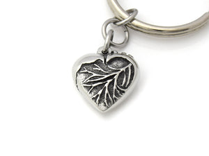 Anatomical Heart in Shape of a Traditional Keychain in Pewter