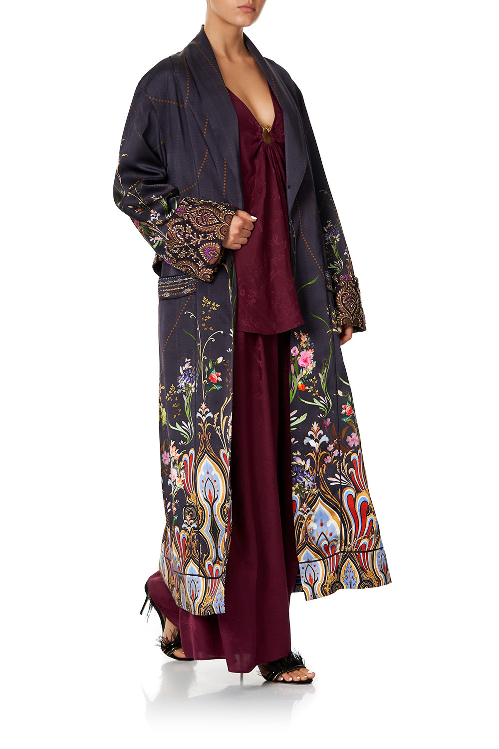 COAT WITH DETACHABLE BACK BAND WILD FLOWER