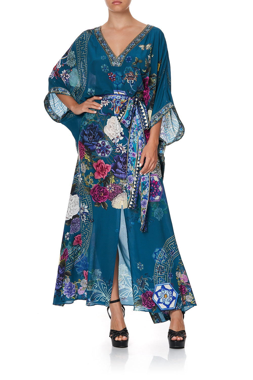 KAFTAN WITH V-NECKBAND AND BELT LUNAR GAZING