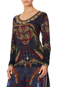LONG SLEEVE FITTED TOP THIS CHARMING WOMAN