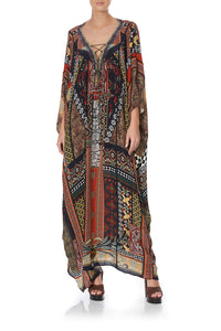 SPLICED KAFTAN PAVED IN PAISLEY