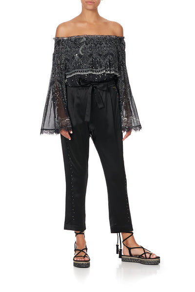 TIERED RUFFLE BLOUSE MIDNIGHT PEARL