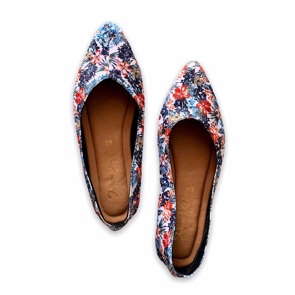 VANILLA White Floral Printed Lounge Pointy Shoes