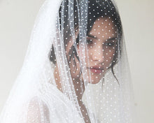 Load image into Gallery viewer, Fingertip tulle dots veil - Nomad Bridal