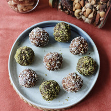Load image into Gallery viewer, Dee snacks bliss balls