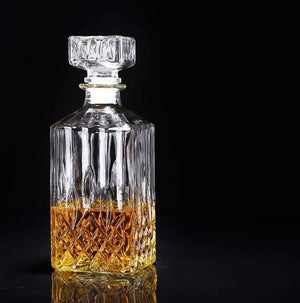 Handblown Glass Whiskey Decanter (800 ml)