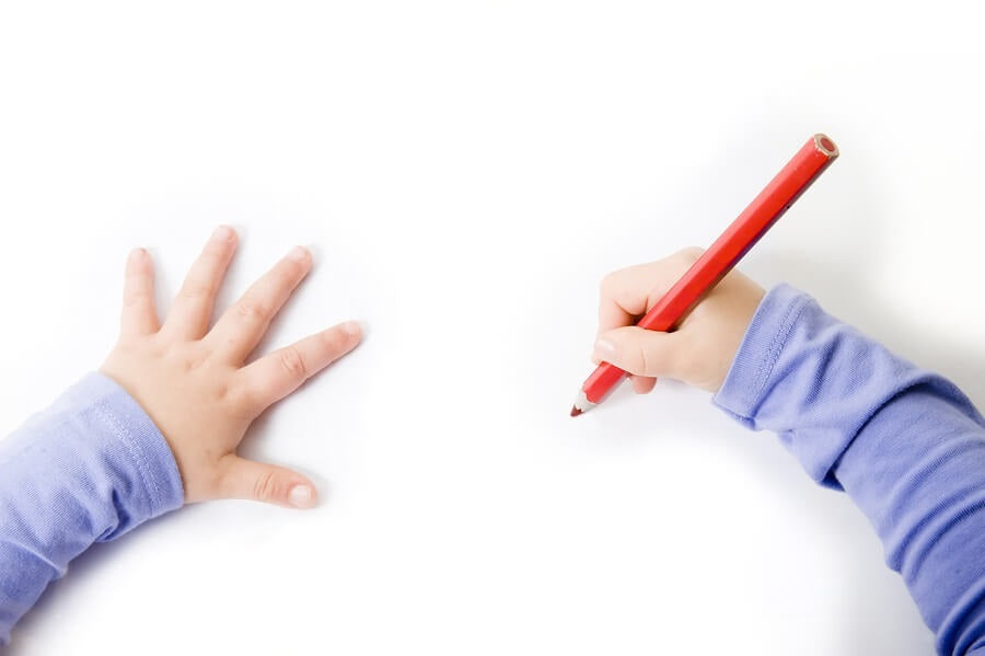 How to Hold a Pencil Correctly? (Photo Illustration)